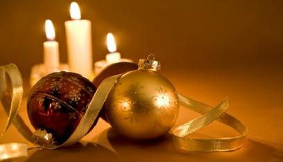 Golden Candles & Baubles